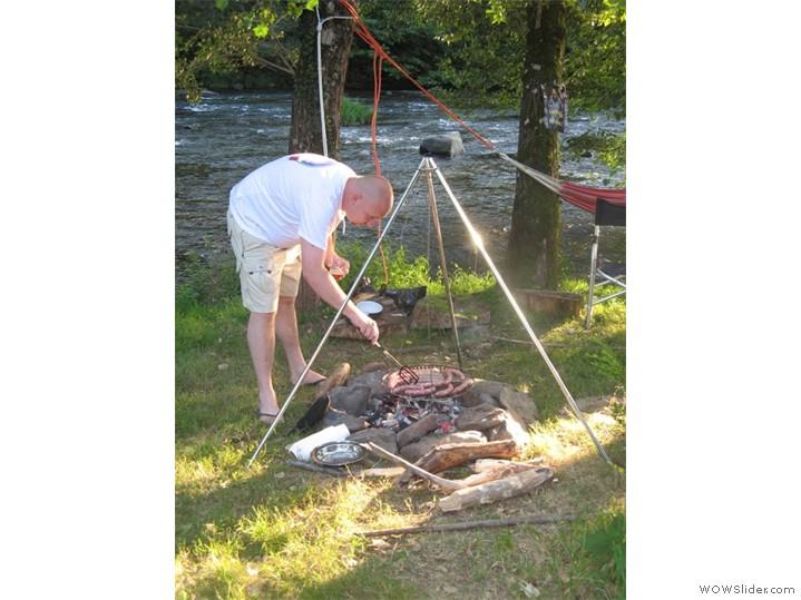 barbecue-entre-riviere-et-tente